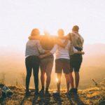「人類は自分と皆繋がっている」と思い込むと人の良い部分に目を向けられる。